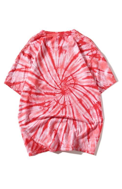 White/red t-shirt